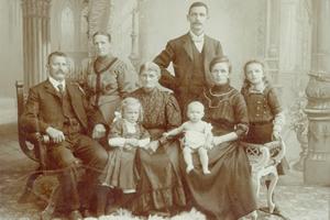Krippenfigur Familie Richard Mahr um 1910