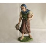 Krippenfigur-Hirtin-Hirten-Mädchen-mit-Brot-und-Krug